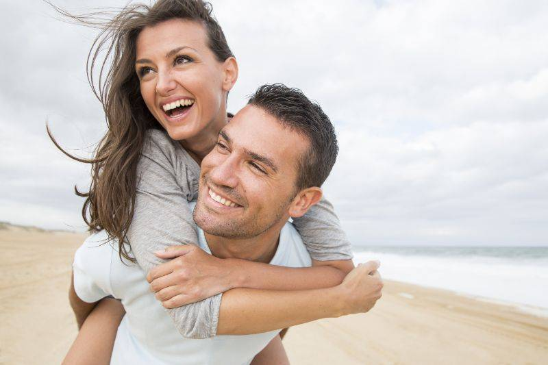 Happy-couple-benefiting-from-vadiance